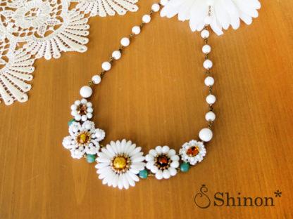 Shinon* ホワイトフラワーネックレス