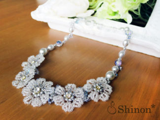 Shinon* flower lace necklace