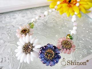 Shinon* ガーベラのネックレス(ホワイト)