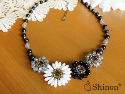 Shinon* ガーベラのネックレス(ブラック)